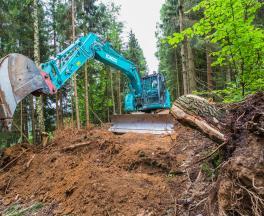 Kobelco ED 160 Bladerunner im Waldeinsatz